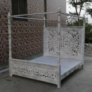 4 Poster Dynasty Bed in White Grey Wash VINEET PATTERN - King Mattress