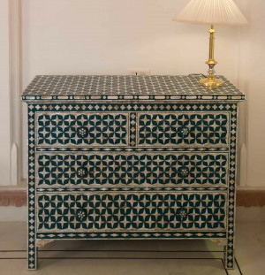 Mother of Pearl chest of Drawer sideboard Green