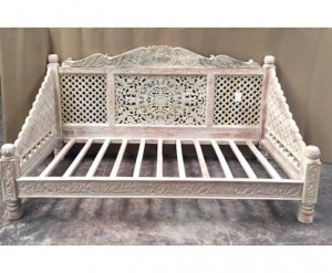 Mughal Garden Hand Carved CREAM FINISH LOTUS Daybed