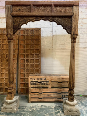 Hand Carved Mughal Arch Mirror Frame With Natural Finish