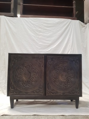 Indian Hand Carved Solid Wooden Beautiful Cabinet Sideboard  117x40x87cm