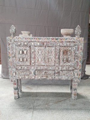 Indian Antique Tribal Hand Carved Art Wooden Damchiya Sideboard  88x29x85cm