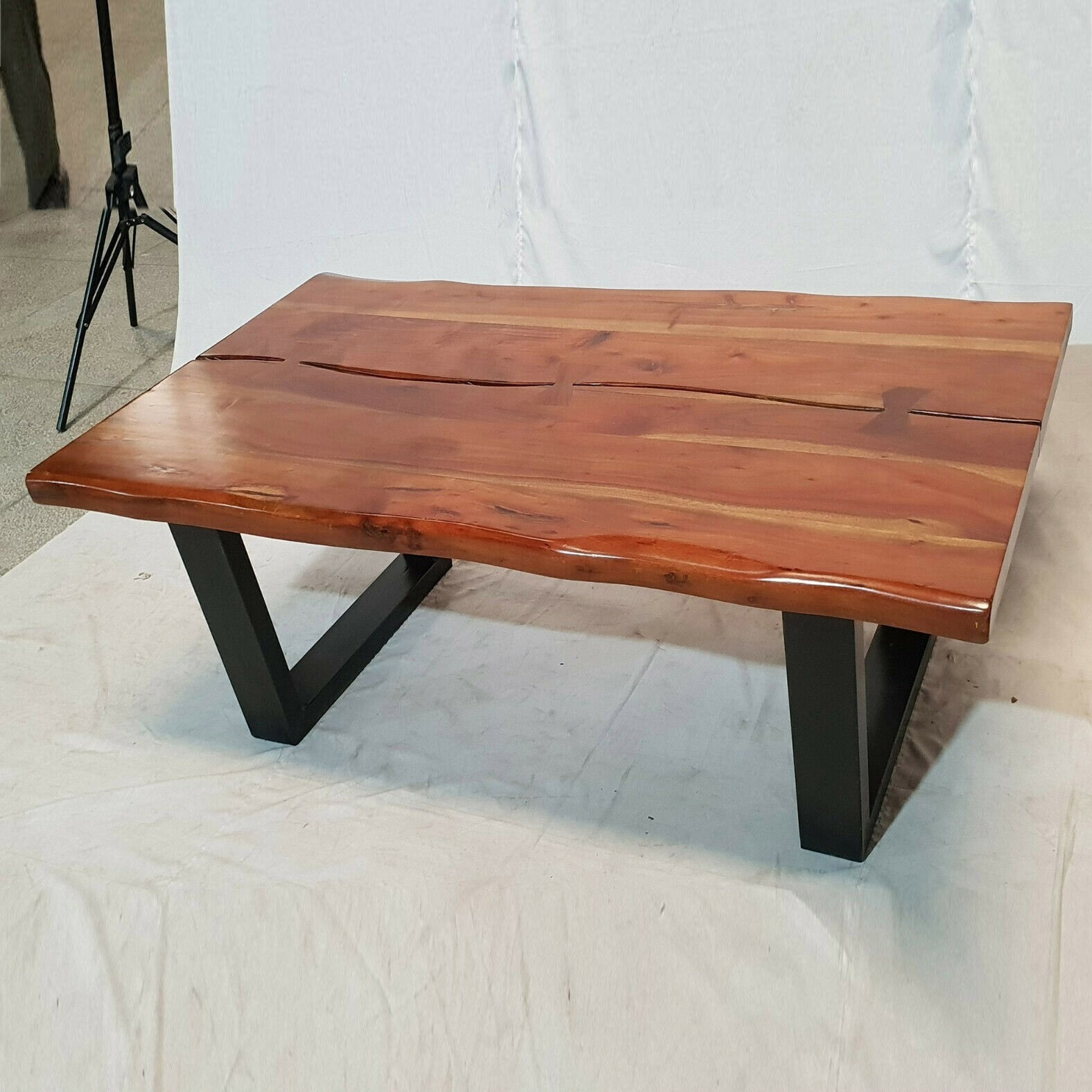 Picture of: Solid Acacia Wood Live Edge Coffee Table Industrial Metal Legs 122 X 76cm