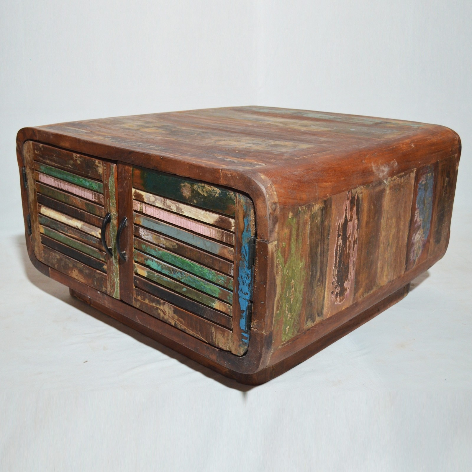 Salvage reclaimed timber 4 doors coffee table for Timber coffee table